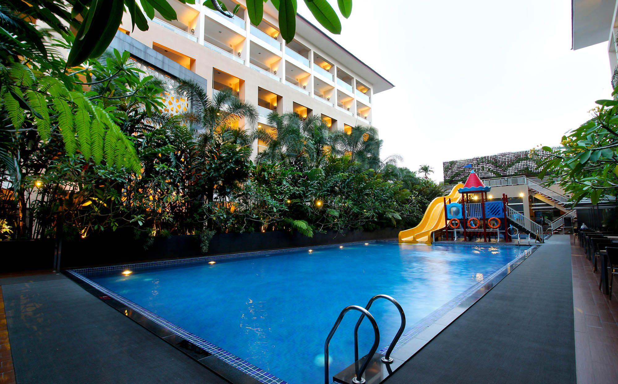 Fasilitas - Eastparc Hotel